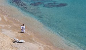 Mykonos romantic beach - Luxury Vacations & Honeymoons