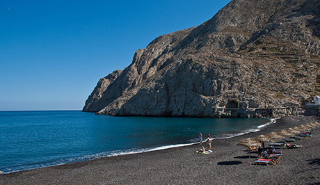 Santorini black sand beach - Santorini Luxury Vacations and Honeymoons