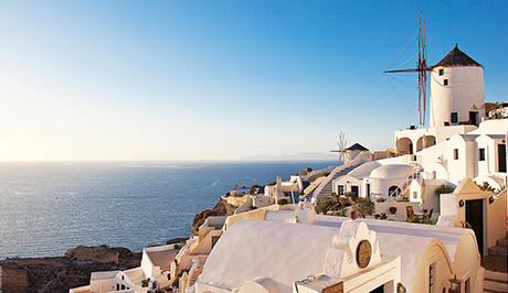 Santorini picturesque view - Santorini Luxury Vacations and Honeymoons